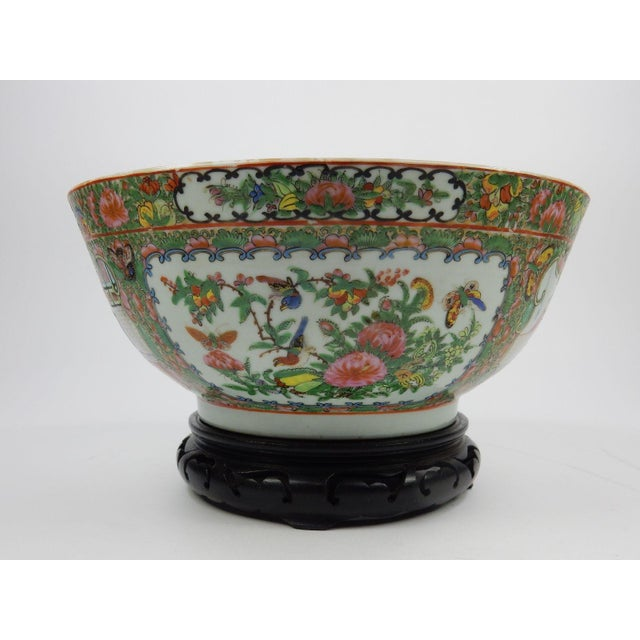 Antique Chinese Export Rose Medallion Serving Bowl For Sale - Image 10 of 11