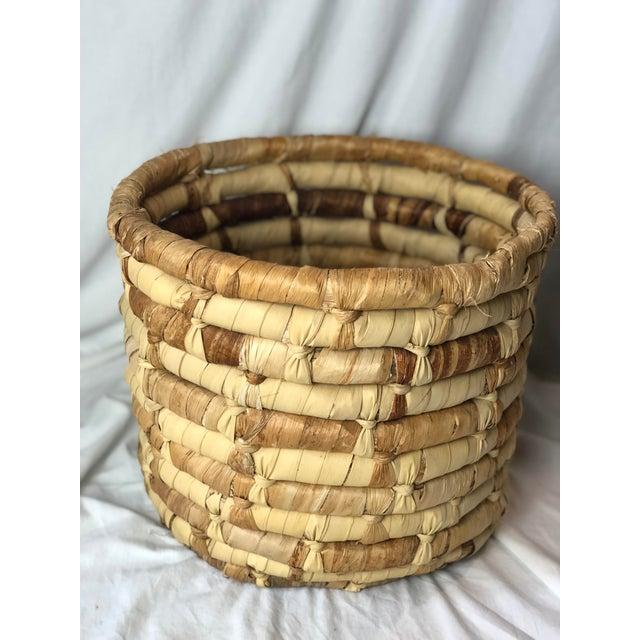 Late 20th Century 20th Century Boho Chic Cornhusk Basket For Sale - Image 5 of 10
