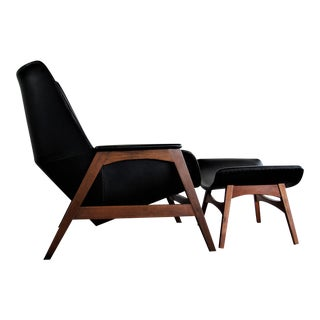 Foster McDavid Mid-Century Modern Danish Lounge Chair and Ottoman