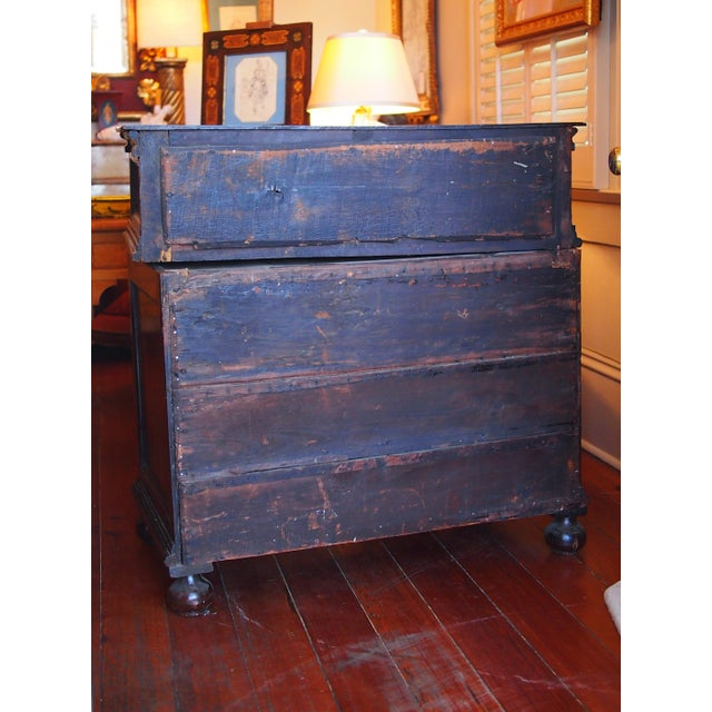 Early 18th Century William and Mary Chest of Drawers For Sale - Image 5 of 7