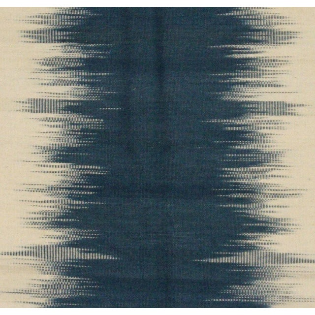 Transitional Navy & Ivory Indian Kilim - 4′7″ × 6′7″ For Sale - Image 3 of 4