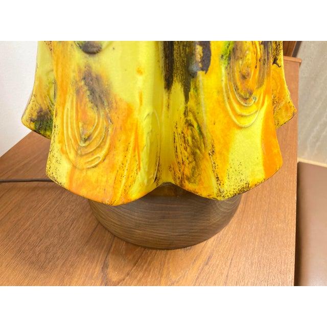 Mid-Century Modern Mid-Century Ceramic Yellow Drip Glaze Table Lamp For Sale - Image 3 of 6