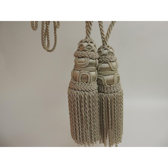 English Traditional Pair of Celedon Green Silk Tassels For Sale - Image 3 of 4