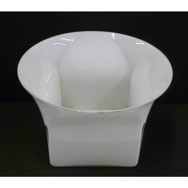 Glass 1960s Vintage Sergio Asti for Venini, Murano Mid Century Modern Cased White Glass Vessel For Sale - Image 7 of 13