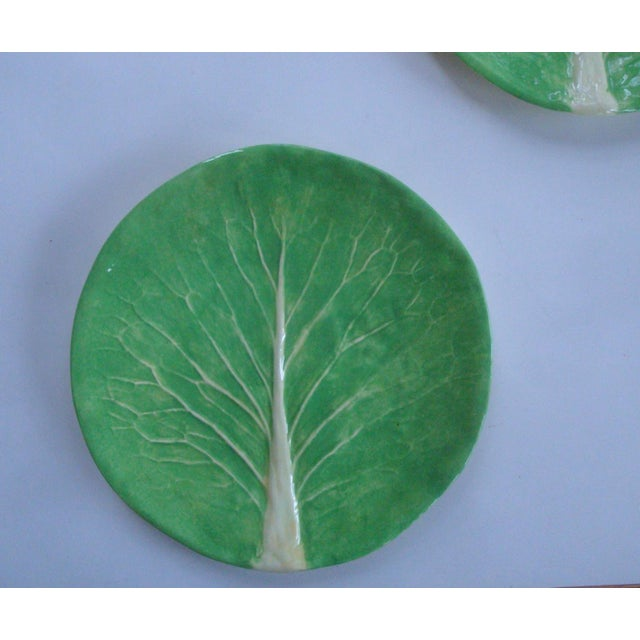 "Traditional Dodie Thayer Lettuce Ware Cabbage Leaf 10"" Dinner Plates, a Pair For Sale - Image 3 of 6"
