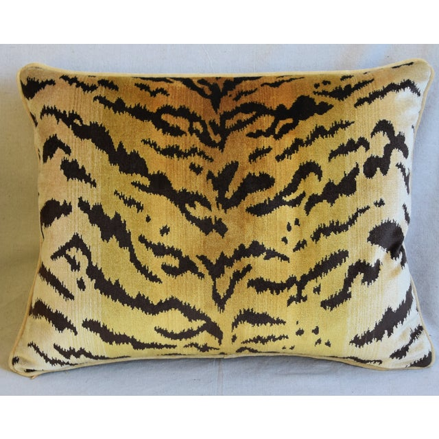 """Hollywood Regency Scalamandre Le Tigre Tiger Silk Feather/Down Pillows 23"""" X 18"""" - Pair For Sale - Image 3 of 12"""