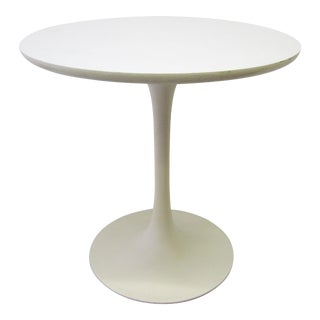 Round Tulip Side Table by Eero Saarinen For Sale