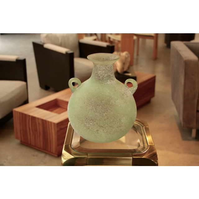 Mid 20th Century Seguso/ Cenedese Scavo Corroso Handled Green Vessel For Sale - Image 5 of 8
