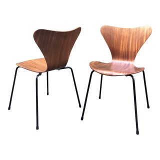 Vintage Series 7 Fritz Hansen Chairs - a Pair For Sale