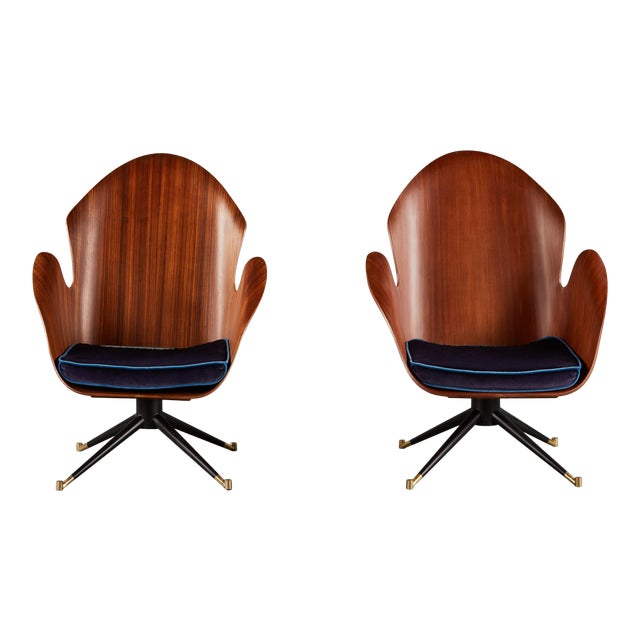 Rare and Sculptural Pair of Mid-Century Italian Swivel Chairs For Sale