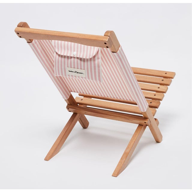 Summer's essential 2-Piece chair! Small, lightweight and very easy to set up and pack down. The 2-Piece Chair is ideal for...
