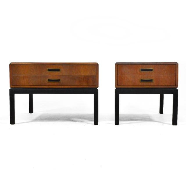 1950s Harvey Probber Walnut End Tables / Nightstands For Sale - Image 5 of 6