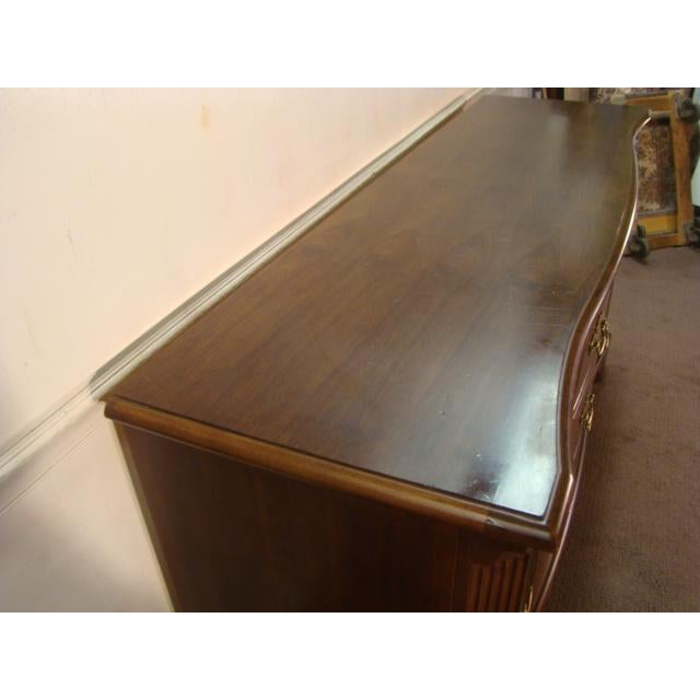1990s Traditional American Drew Cherry Dresser For Sale - Image 6 of 8