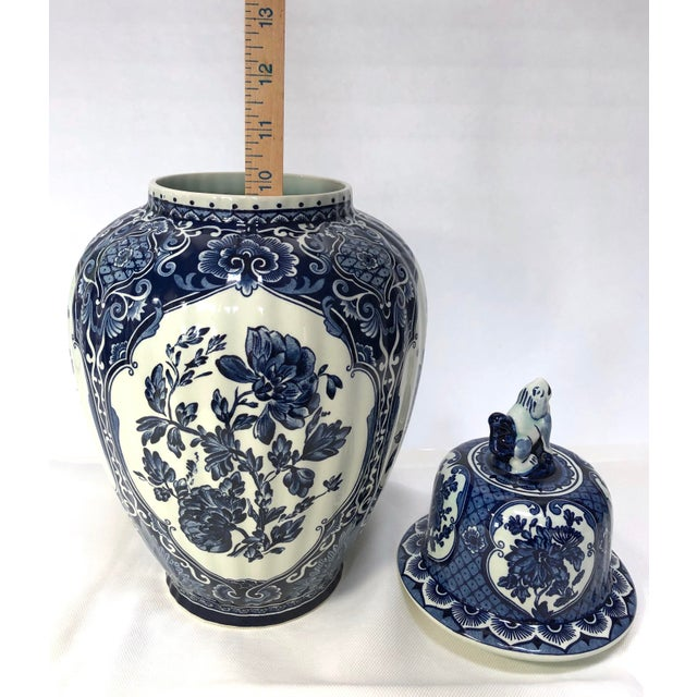 Mid-20th Century Dutch Painted Blue and White Faience Delft Ginger Jar For Sale In New York - Image 6 of 12