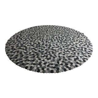 Patterson Flynn and Martin Custom Round Area Rug- 8′7″ × 8′7″ For Sale