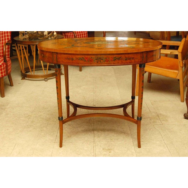Early 20th Century Sheraton Style Edwardian Painted Oval Satinwood Center Table For Sale - Image 5 of 6