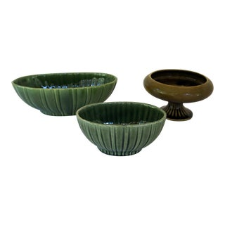 Vintage Olive Green Floraline Pedestal Planter and Juniper Green Haeger Scalloped Planters - 3 Piece Set For Sale