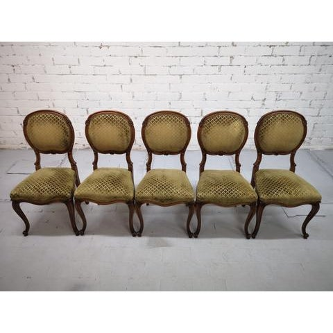 Oak Set of 5 Vintage French Louis XV Style Carved Oak Balloon Back Dining Side Chairs For Sale - Image 7 of 13