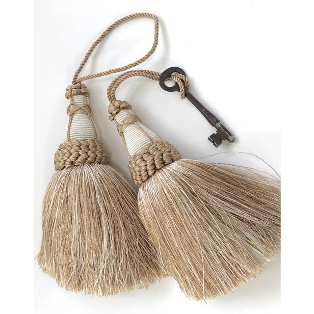 Tan and White Key Tassels With Looped Ruche Trim - a Pair For Sale - Image 4 of 10