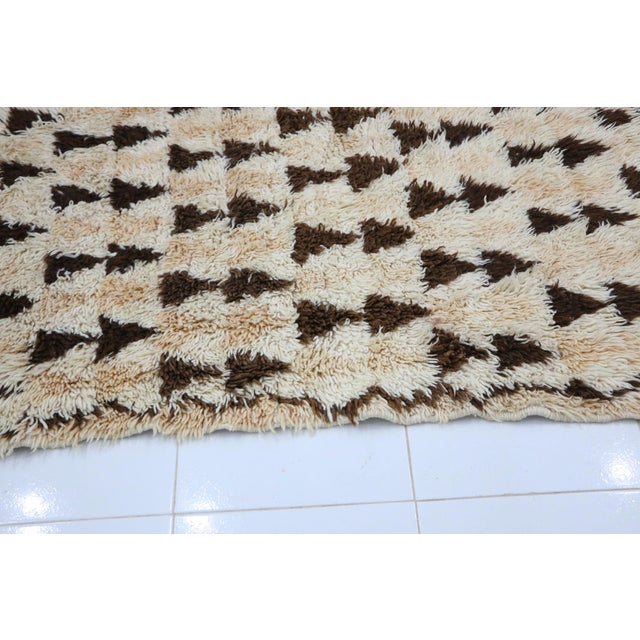 1980s 1980s Vintage Azilal Moroccan Rug - 3′3″ × 5′10″ For Sale - Image 5 of 6