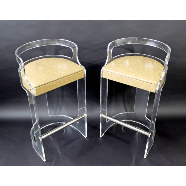 Mid-Century Modern Mid-Century Modern Hill Lucite Chrome Beige Leather Bar Stools - Set of 4 For Sale - Image 3 of 9