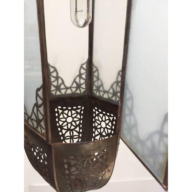 Moroccan Artist Mid Century Handcrafted Moroccan Moorish Milky Glass Pendant Light For Sale - Image 4 of 13