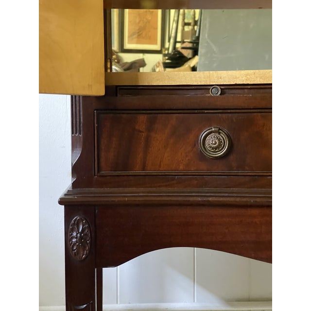 Brown English Georgian Dry Bar With Mirrored Interior For Sale - Image 8 of 12