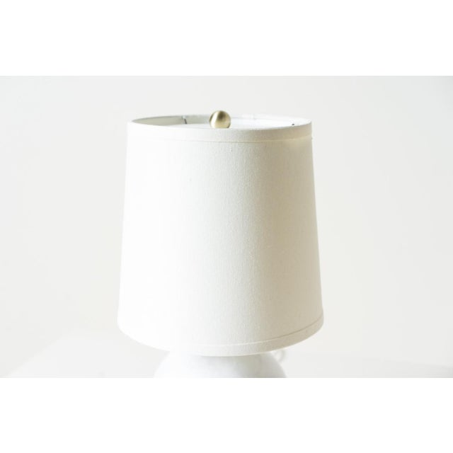 Mid-Century Modern White Klara Table Lamp For Sale - Image 3 of 5