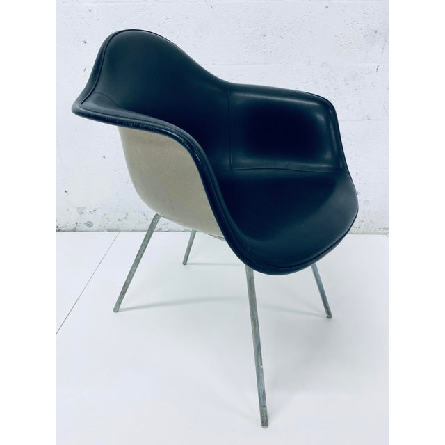 Herman Miller Black Leather Arm Chairs by Charles and Ray Eames, 1950 - a Pair For Sale In Miami - Image 6 of 12