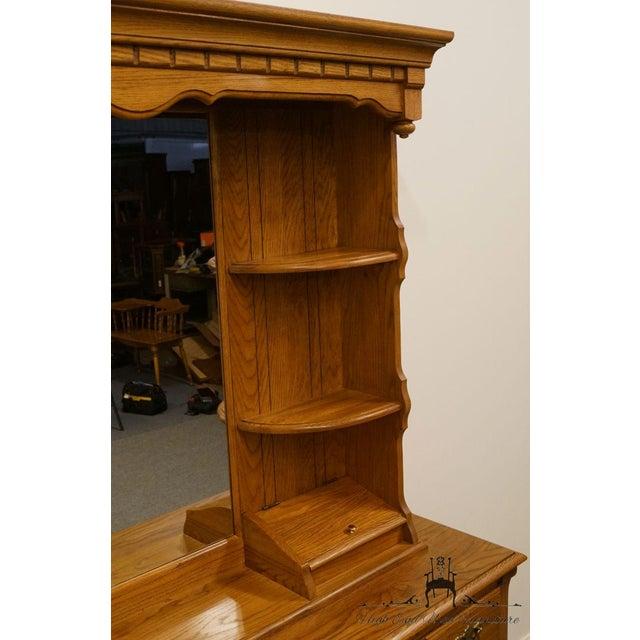 Late 20th Century Vintage Thomasville Furniture Salem Tavern Collection Dresser & Mirror For Sale In Kansas City - Image 6 of 12