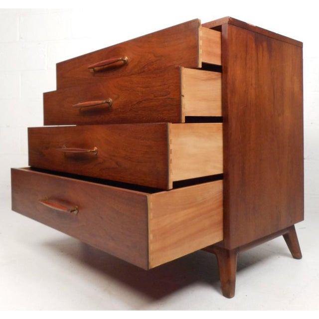 Henredon Mid-Century Chest of Drawers - a Pair For Sale In New York - Image 6 of 10