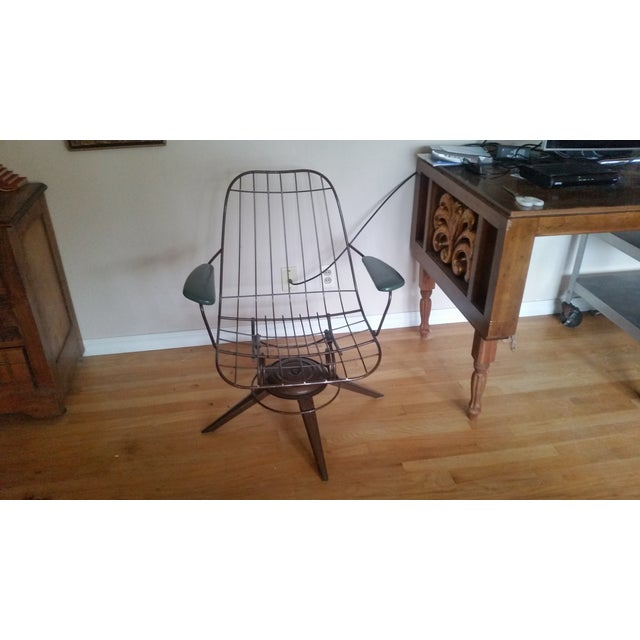 Vintage Olive Green Homecrest Wire Swivel Chair - Image 3 of 6