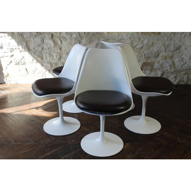 Knoll Contemporary Eero Saarinen for Knoll Tulip Dining Chairs - Set of 5 For Sale - Image 4 of 7
