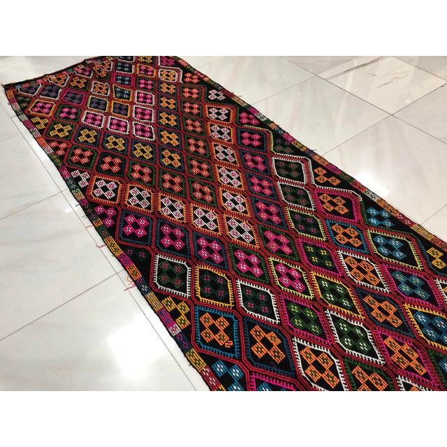 Orange 1960s Vintage Naturel Wool Turkish Kilim Rug- 3′10″ × 9′8″ For Sale - Image 8 of 11