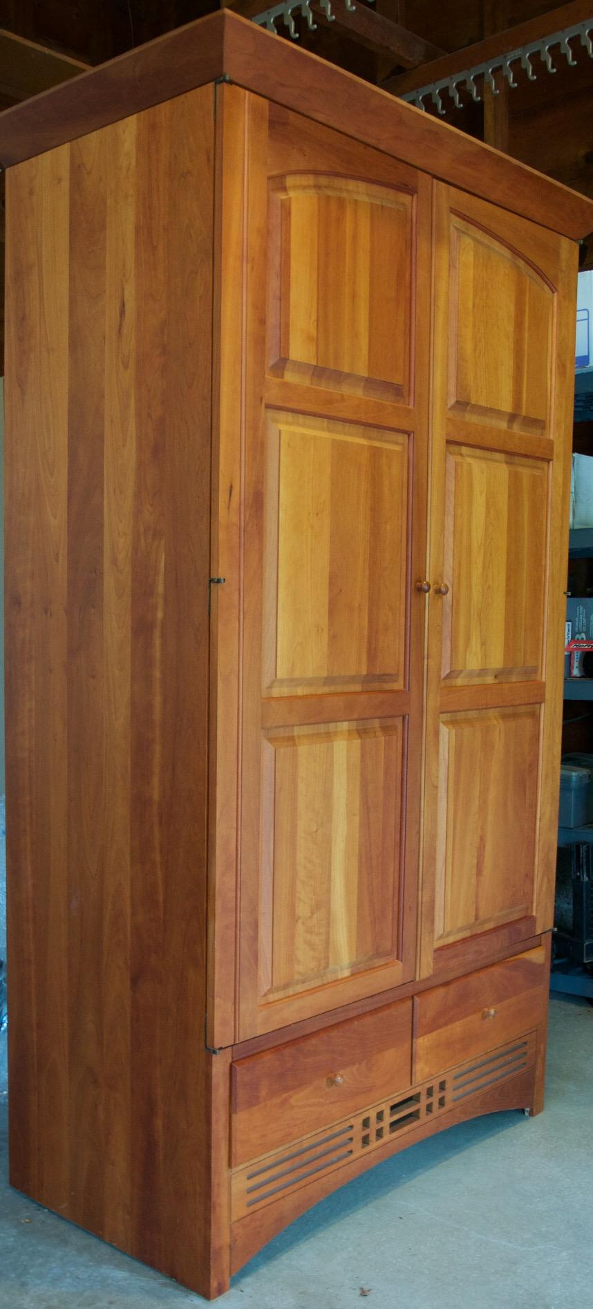 Exceptionnel Vintage Harden Mission Style Solid Cherry Armoire   Image 5 Of 5