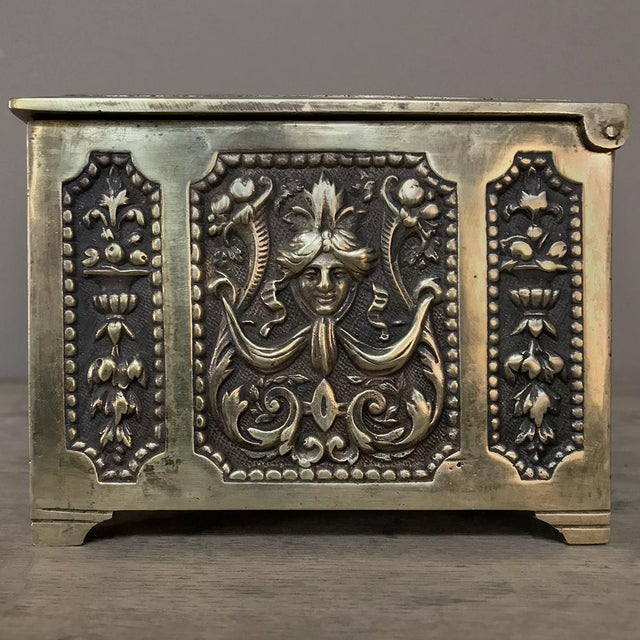 Jewelry Box, 19th Century French Renaissance, Cast in Bronze For Sale - Image 9 of 13