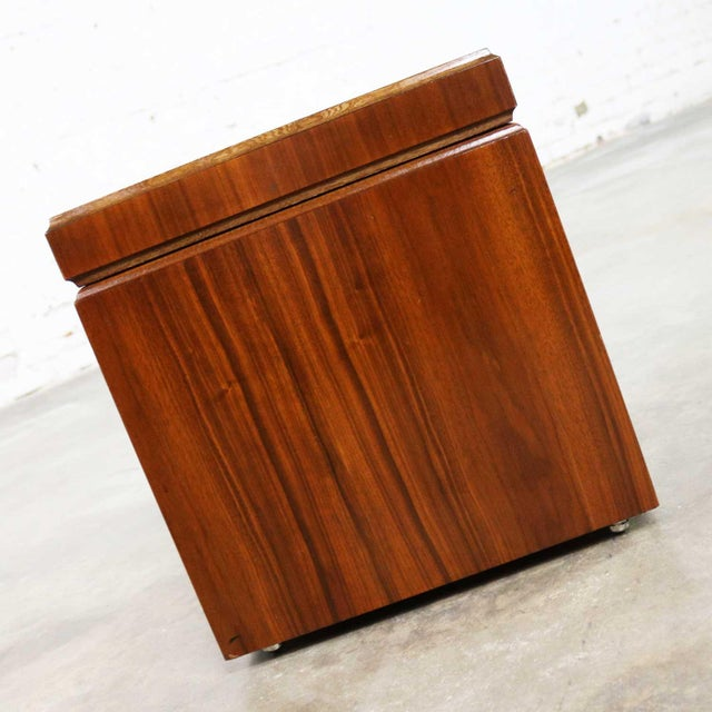 Traditional Mid Century Modern Lane Rolling Cube Storage Ottoman With Game Board Flip Table Top For Sale - Image 3 of 13