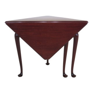 1960s Traditional Kittinger Colonial Williamsburg Mahogany Corner Table For Sale