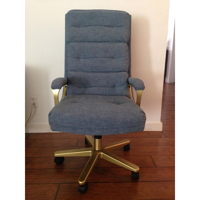 Mid-Century High Back Matte Gold & Blue Grey Tweed Swivel Chair For Sale - Image 4 of 5