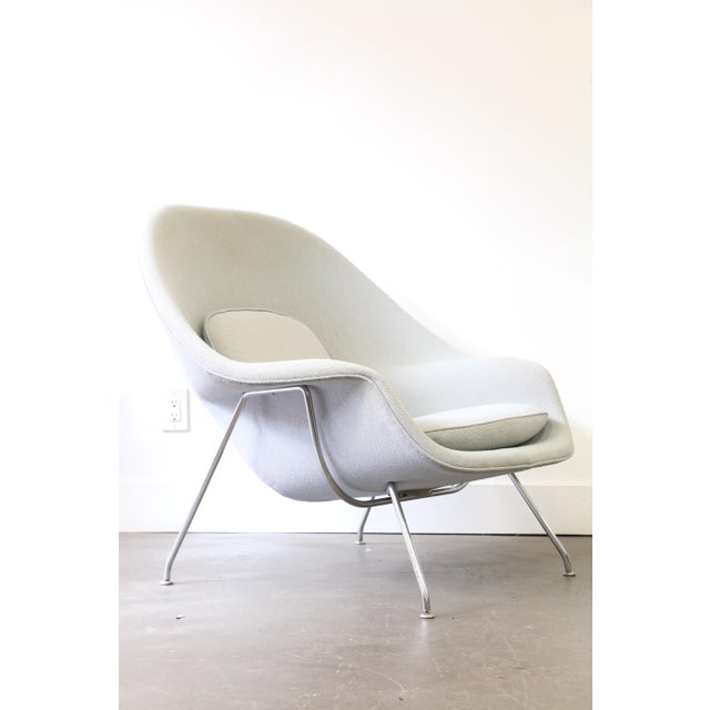 Mid-Century Modern Pair of Knoll Womb Chairs by Eero Saarinen For Sale - Image 3 of 12