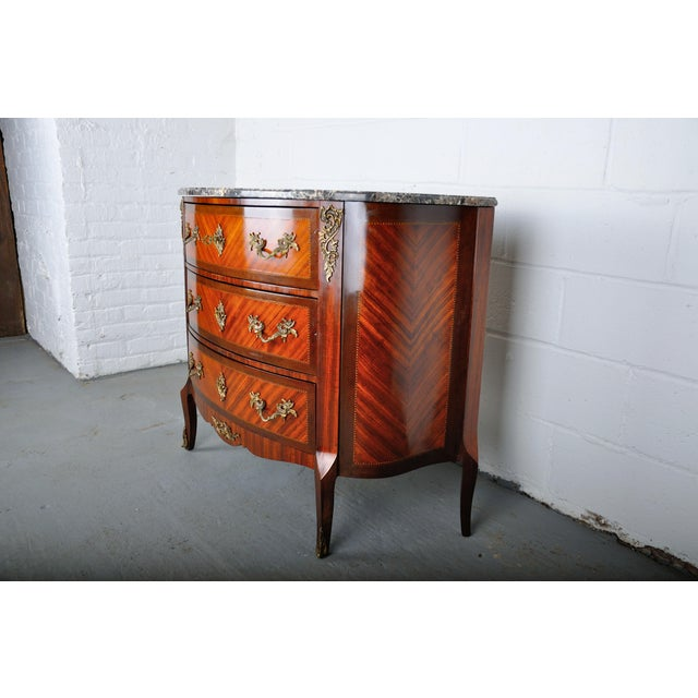 Wood Antique French Louis XV Mahogany Inlay Marquetry Large Commode W/ Marble Top For Sale - Image 7 of 13
