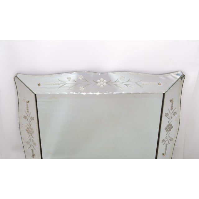 Italian Mid-Century Modern, Faceted & Etched Venetian Wall Mirror For Sale - Image 4 of 13