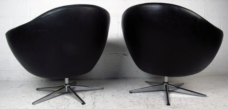 Overman Style Vintage Modern Swivel Pod Chairs   A Pair   Image 4 Of 10