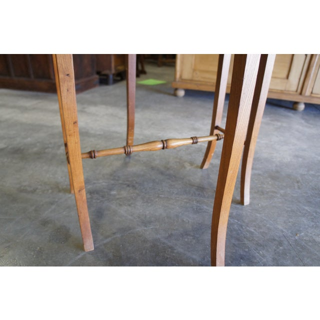 Tan 20th Century Arts & Crafts English Oak Gate-Leg Accent Table For Sale - Image 8 of 11