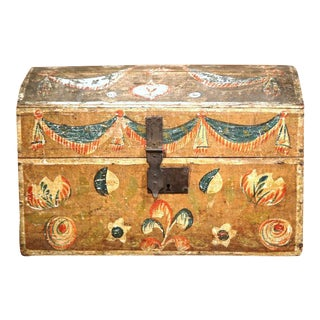 18th Century French Painted Bird Motif Trunk For Sale