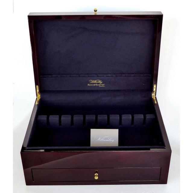 Contemporary Reed & Barton Williamsburg Collection Silver Chest With Marquetry For Sale - Image 3 of 10