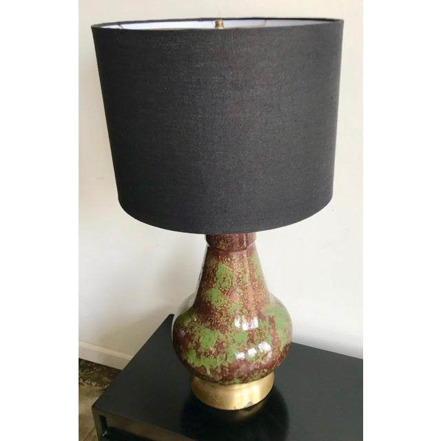 Mid-Century Modern Vintage Mid Century Modern Avocado Green and Brown Ceramic Table Lamp For Sale - Image 3 of 7