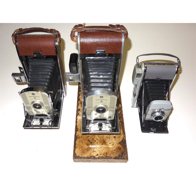 Offered for your consideration is this group of collectible original Polaroid instant Cameras, selling one each or as a...