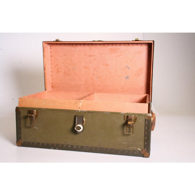 Vintage Industrial Green Military Foot Locker Trunk with Tray - Image 6 of 11