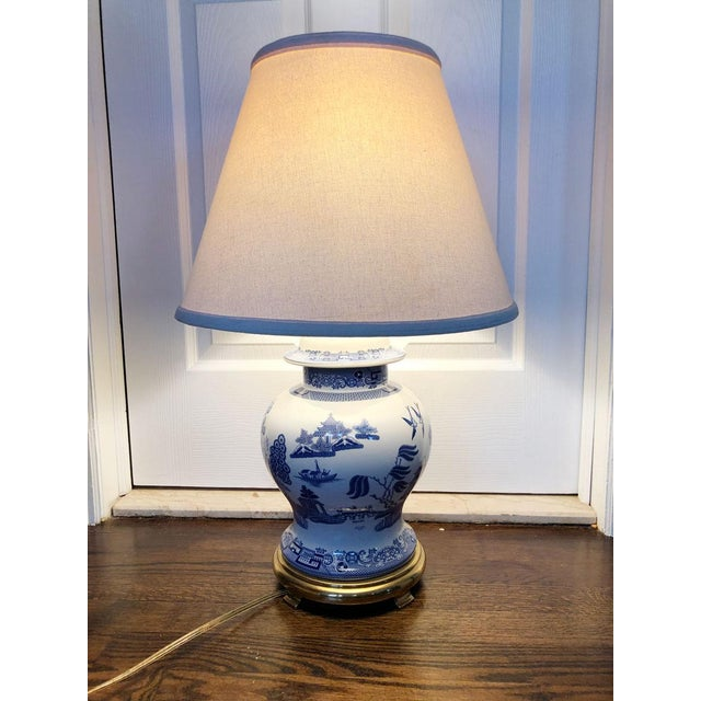 1980s Spode Blue Willow Ginger Jar, Blue Willow Table Lamps
